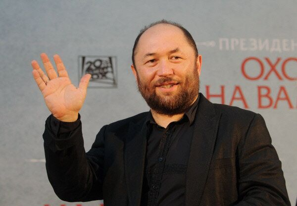 Film director and producer Timur Bekmambetov, photographed in Moscow in 2012 - Sputnik International