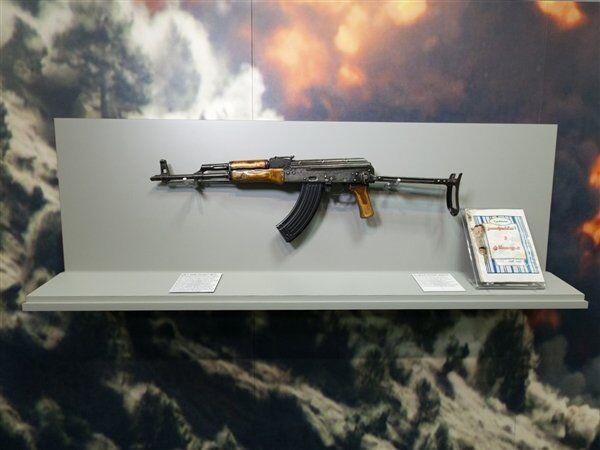 Osama Bin Laden's AK-47 inside the CIA headquarters in Langley, Virginia - Sputnik International