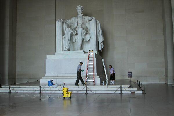Vandals Force Closure of Lincoln Memorial - Sputnik International