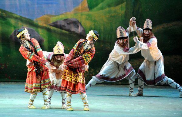 Dancers rehearse Igor Stravinsky's ballet The Rite of Spring at the Bolshoi Theater in Moscow. - Sputnik International