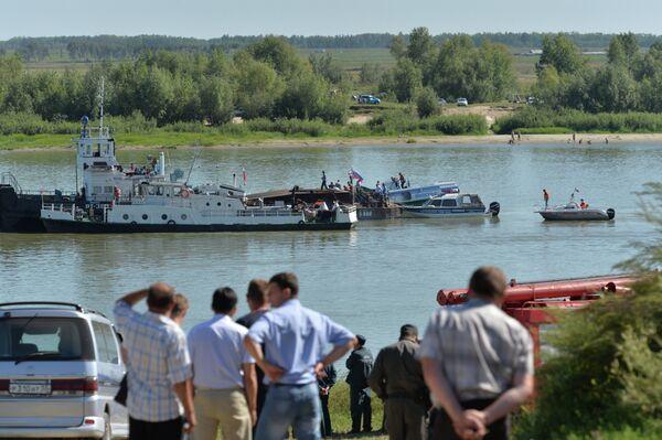 Russian Boat Crash Kills 4, Injures Dozens in Siberia - Sputnik International