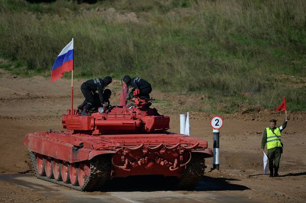 All Out for Victory – Harnessing Deadly Force in Russia's Tank Biathlon - Sputnik International