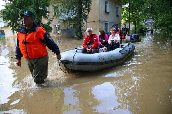 Russian Gov't Provides $360M to Flood-Hit Far East - Sputnik International