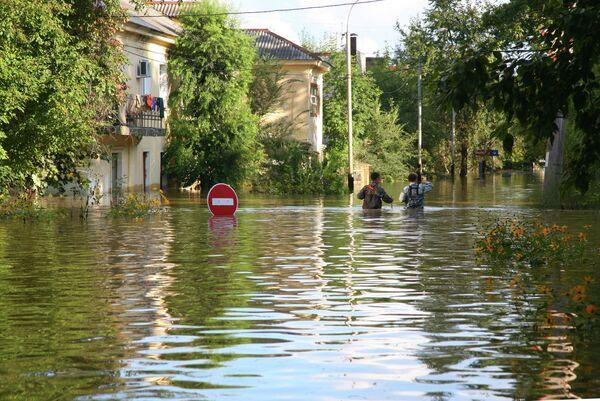 Amur River Water Level Keeps Rising in Flood-Hit Khabarovsk - Sputnik International