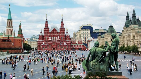 Russians Say Trips Abroad, Church Most Popular Trends – Poll - Sputnik International