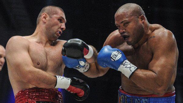 Russia's Magomed Abdusalamov, left, fights America's Jameel McCline in Moscow in 2012. - Sputnik International