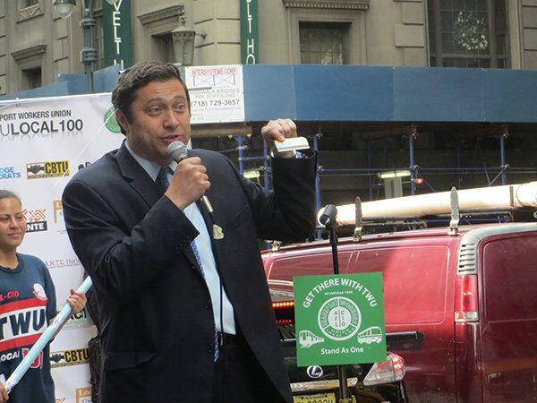 Ari Kagan, pictured here in New York City, was born in Belarus in 1967. - Sputnik International