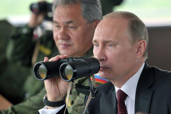 Vladimir Putin overseeing the previous snap check in July 2013 - Sputnik International