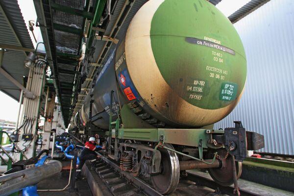 Russia, Kazakhstan Sign Oil Transit Deal - Sputnik International