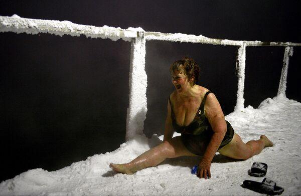 Ice Swimming Season Gets Underway in Russian City of Norilsk - Sputnik International