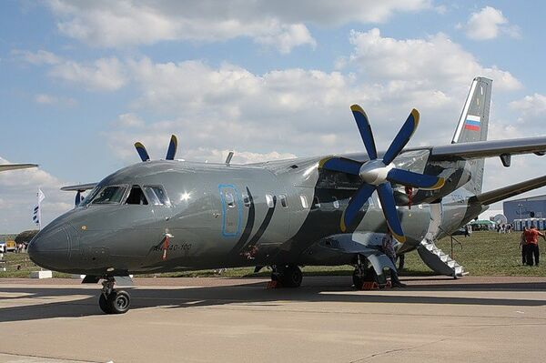 The An-140S is a version of the An-140-100 passenger plane (photo) with a large loading/unloading hatch - Sputnik International