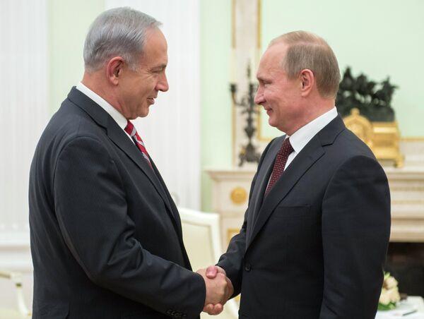 Israeli Prime Minister Benjamin Netanyahu  and Russian President Vladimir Putin - Sputnik International