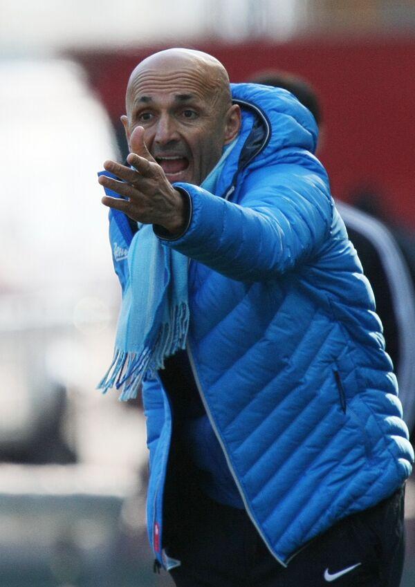 Zenit St. Petersburg coach Luciano Spalletti during the Terek-Zenit match, Dec. 1, 2013 - Sputnik International