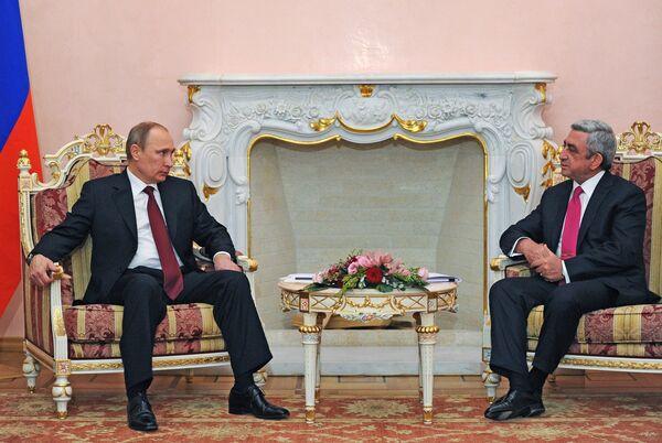 Vladimir Putin  with  Serzh Sargsyan - Sputnik International