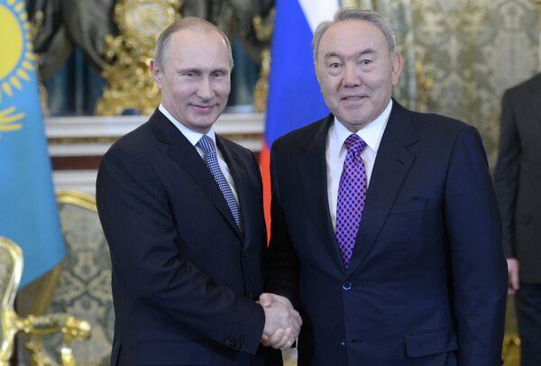 Russian President Vladimir Putin and his Kazakh counterpart Nursultan Nazarbayev - Sputnik International