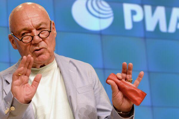 Russian TV host Vladimir Pozner, May 25, 2013 - Sputnik International