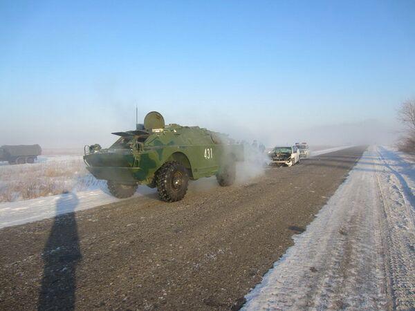 Russian Woman Rams Armored Vehicle - Sputnik International