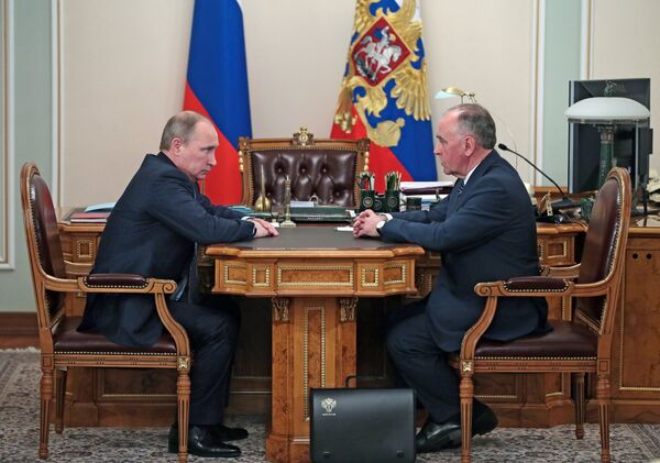 Vladimir Putin and Viktor Ivanov - Sputnik International