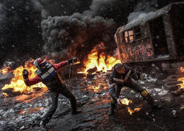 A protester in Kiev - Sputnik International