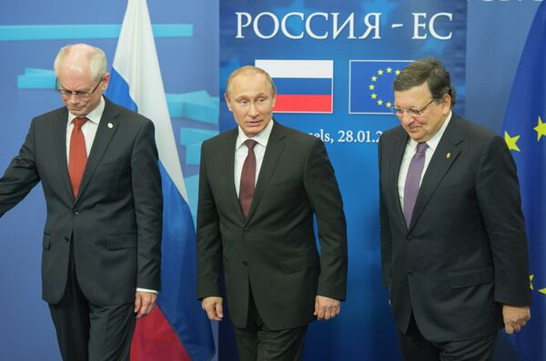 Putin said the next EU-Russia summit would be held on June 3 in the southern Russian city of Sochi - Sputnik International