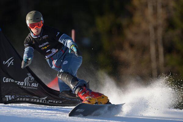 Snowboarder Vic Wild in Karezza, italy, December 14, 2013 - Sputnik International