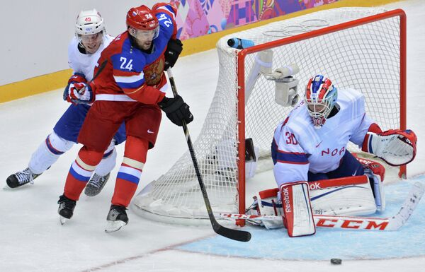 Russia Struggles Past Norway to Make Olympic Hockey Quarterfinals - Sputnik International