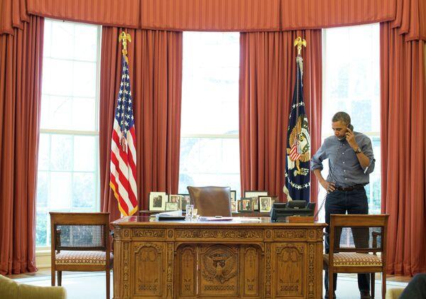 US President Barack Obama talks on the phone with Russian President Vladimir Putin about the situation in Ukraine - Sputnik International