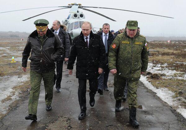 Sergei Shoigu, Vladimir Putin - Sputnik International