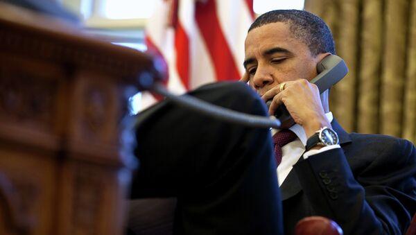 US President Barack Obama having a phone conversation with British Prime Minister David Cameron - Sputnik International
