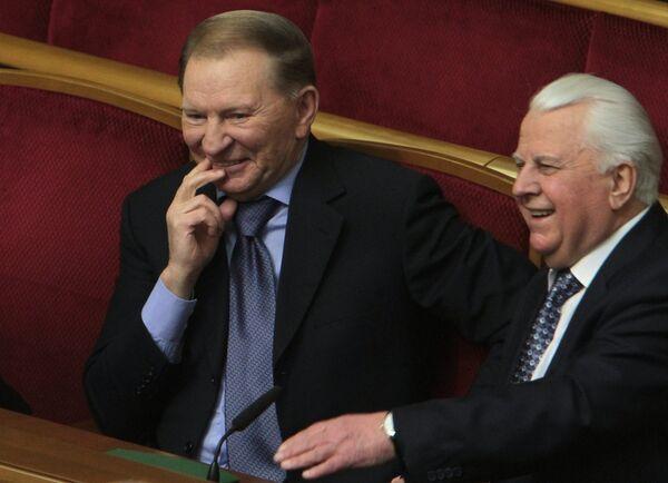 Former presidents of Ukraine Leonid Kuchma and Leonid Kravchuk - Sputnik International