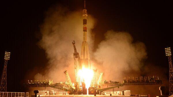 Russian Soyuz-U with Progress M-24M Blasts Off for ISS - Sputnik International