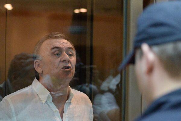 Lom-Ali Gaitukayev, a defendant in the case of the murder of Novaya Gazeta newspaper reporter Anna Politkovskaya, during the announcement of the verdict in the Moscow City Court - Sputnik International