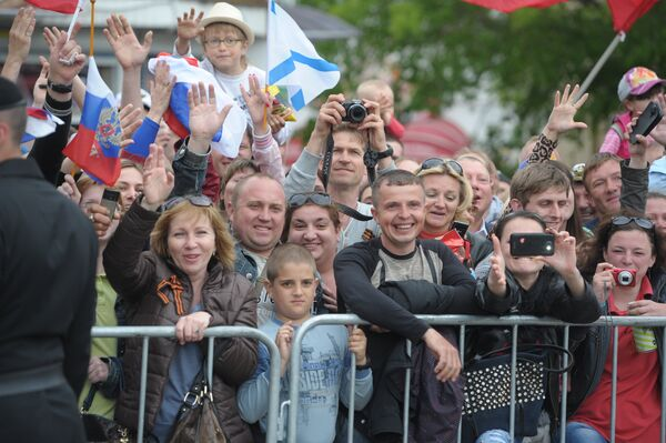 Residents of Crimea at the gala concert marking the 69th anniversary of the Soviet Union's victory in the Great Patriotic War and the 70th anniversary of Sevastopol's liberation, May 9, 2014 - Sputnik International