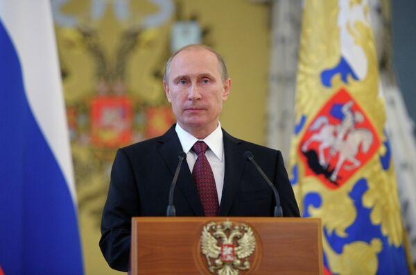 President Vladimir Putin at the reception in the Kremlin in honor of the graduates of military academies - Sputnik International