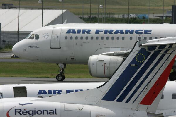 Air France said Monday that the ongoing pilots' strike could cost the company up to 20 million euros ($26 million) a day. - Sputnik International