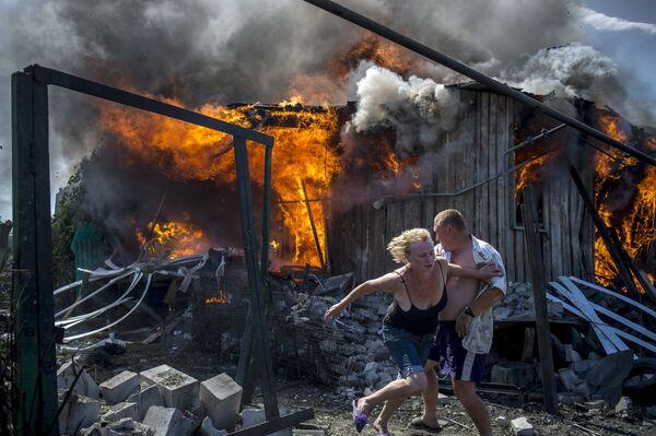 Ukrainian Crisis: Bombed-out Houses of Kramatorsk and Luganskaya Village - Sputnik International