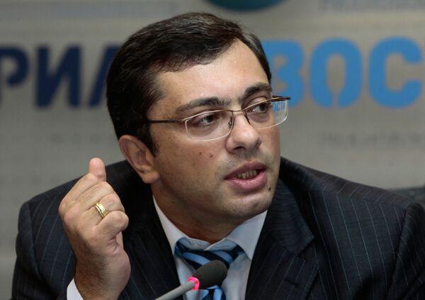 First Deputy Chairman of State Duma Committee on Industry Vladimir Gutenev - Sputnik International