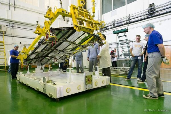 Russia's Foton-M Satellite Stays on Nonintended Orbit, Engines Not Working - Sputnik International