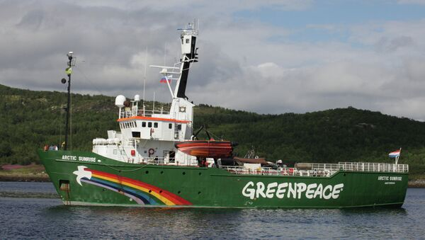 The Spanish Navy has rammed three Greenpeace motor boats, launched from the Arctic Sunrise ship off the Canary Islands in protest against oil drilling by the Spanish Repsol oil company. - Sputnik International