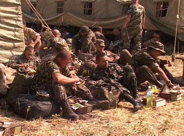 Over 400 Ukrainian Military Personnel Request Refugee Status in Russia - Sputnik International