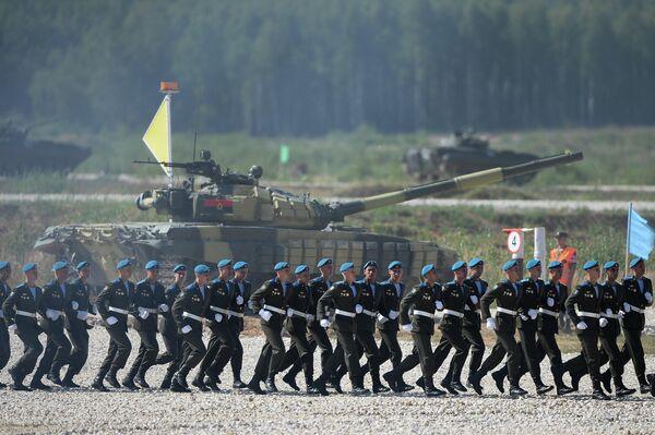 Russia Tops Standings at World Tank Biathlon Championship - Sputnik International