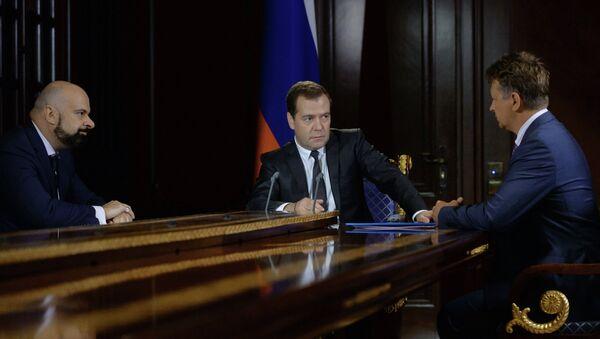 Dmitry Medvedev meets with Maxim Sokolov and Vadim Zingman - Sputnik International