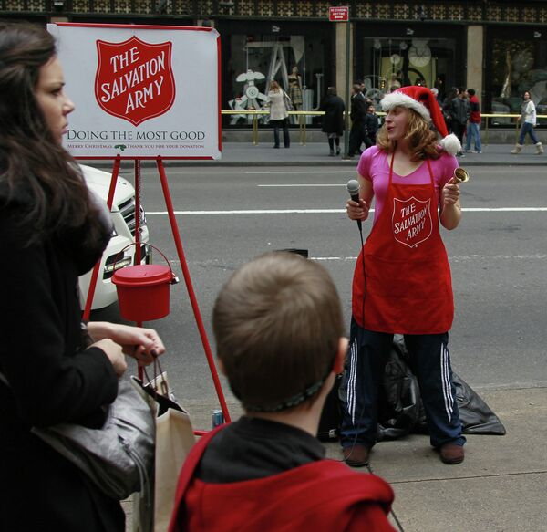 The Salvation Army activist is collecting contributions - Sputnik International