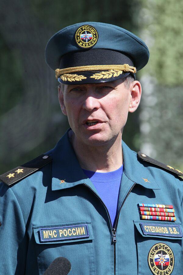 Vladimir Stepanov Deputy Emergencies Minister says Russia plans to increase humanitarian aid to Ukrainian refugees - Sputnik International