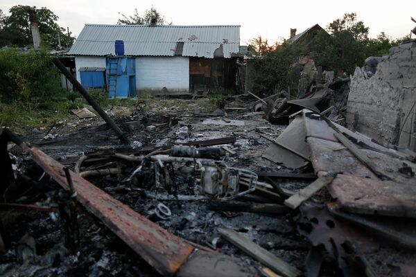 Since March this year, approximately 200,000 people have fled after their homes were reduced to rubble in search of safety within Ukraine, according to UN. - Sputnik International