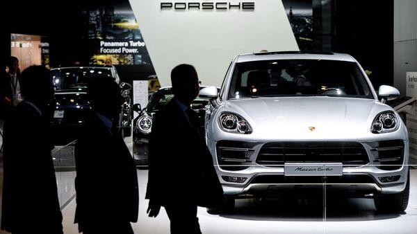 Porsche Macan turbo at Moscow Auto Show 2014 - Sputnik International