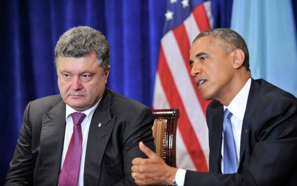 """Ukrainian President Petro Poroshenko's (Left) plea for lethal help at a US Congress meeting on August,18 was not answered by US President Barack Obama (Right), despite the Ukrainian leader's claim that the future of a """"free world"""" was at stake. - Sputnik International"""