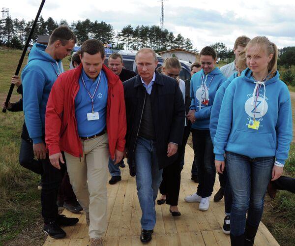 Vladimir Putin at the All-Russia Seliger-2014 youth forum on August 29, 2014 - Sputnik International