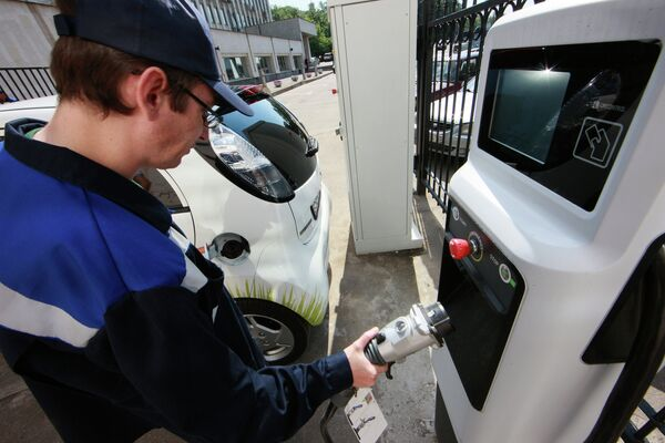 Moscow is going to expand EV charging stations chain until the end of 2014 - Sputnik International