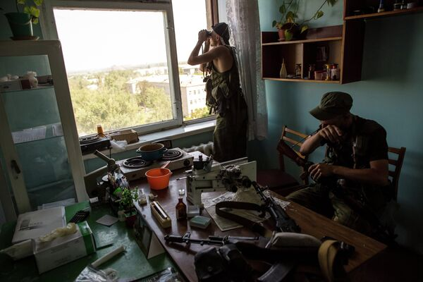 Around 1,500 foreign volunteers are fighting in the ranks of the Donetsk People's Republic (DPR). - Sputnik International